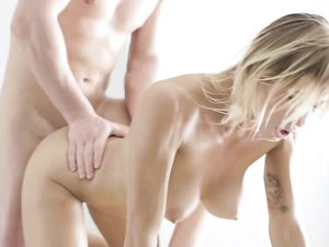 Crazy Hot Body On A Hardcore Massage Babe