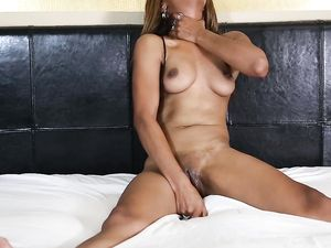 Gorgeous 18 Year Old Black Girl Craves Interracial Sex