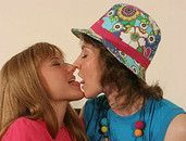 Lesbian Teen GFs Kiss Erotically And Eat Pussy