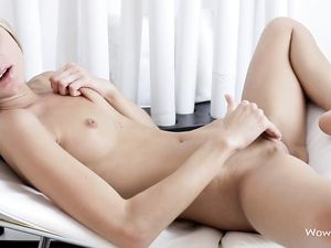 Solo Teen Makes Her Cunt Wet With Fingers And A Toy