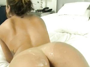Arousing Curvy Ass Girl Rides Reverse Cowgirl