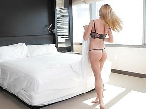 Bellman Brings His Big Cock To Fuck A Milf Hotel Guest