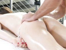 Oiling The Cute Bikini Girl And Fucking Her Cunt