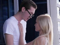 Young Beauty Alex Grey Makes Love To His Big Cock