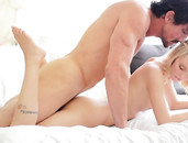 Tiny Beauty Sammie Daniels Satisfies His Big Cock