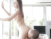 Foxi Di Makes Him Cum With Her Ass